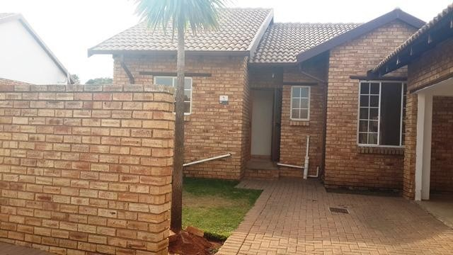 Roodepoort, Witpoortjie Property  | Houses To Rent Witpoortjie, Witpoortjie, Townhouse 3 bedrooms property to rent Price:,  7,00*