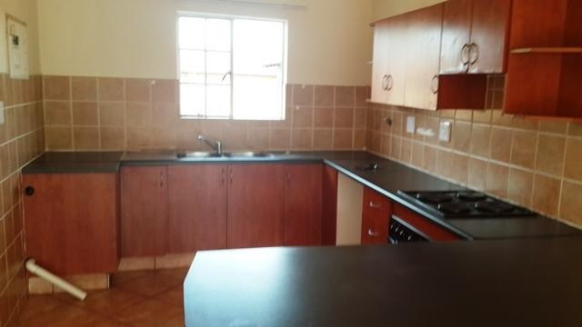 Witpoortjie property to rent. Ref No: 3286077. Picture no 4