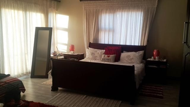 Radiokop property to rent. Ref No: 3304631. Picture no 7