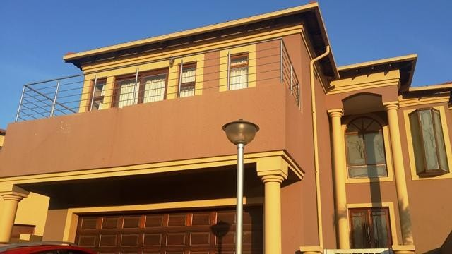 Radiokop property to rent. Ref No: 3304631. Picture no 2
