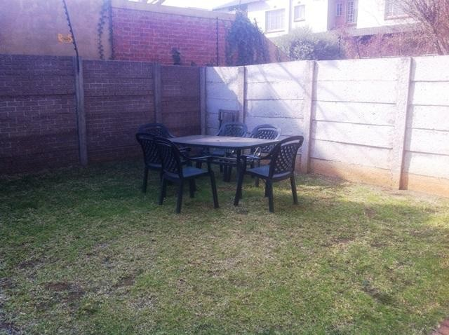 Randburg, Sonneglans Property  | Houses To Rent Sonneglans, Sonneglans, Apartment 2 bedrooms property to rent Price:,  7,00*
