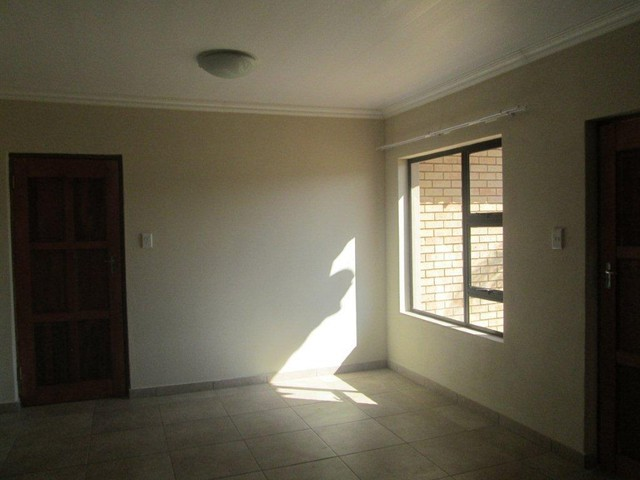 Groblerpark property to rent. Ref No: 13283381. Picture no 2