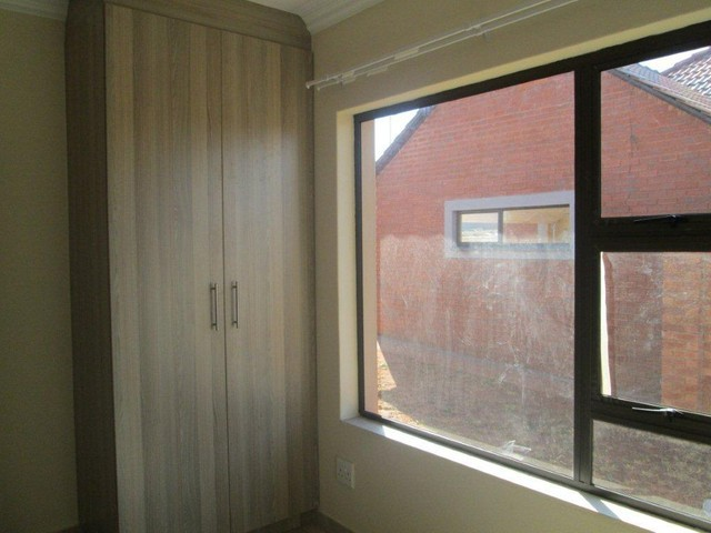 Groblerpark property to rent. Ref No: 13283381. Picture no 8