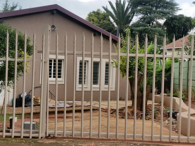 Roodepoort, Weltevredenpark Property  | Houses To Rent Weltevredenpark, Weltevredenpark, House 1 bedrooms property to rent Price:,  4,00*