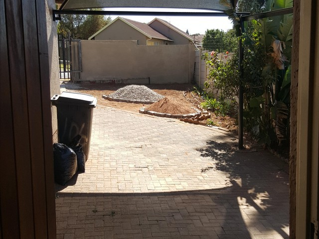 Lindhaven property to rent. Ref No: 13338517. Picture no 11