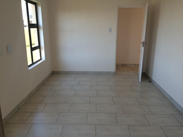 Pinehaven property to rent. Ref No: 13379751. Picture no 8