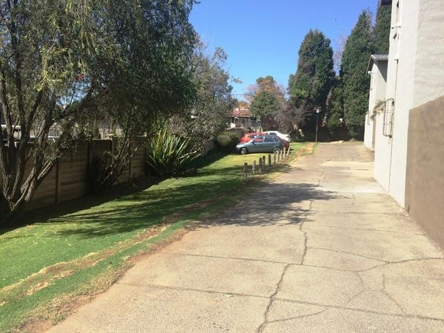 Northcliff property to rent. Ref No: 13383660. Picture no 17