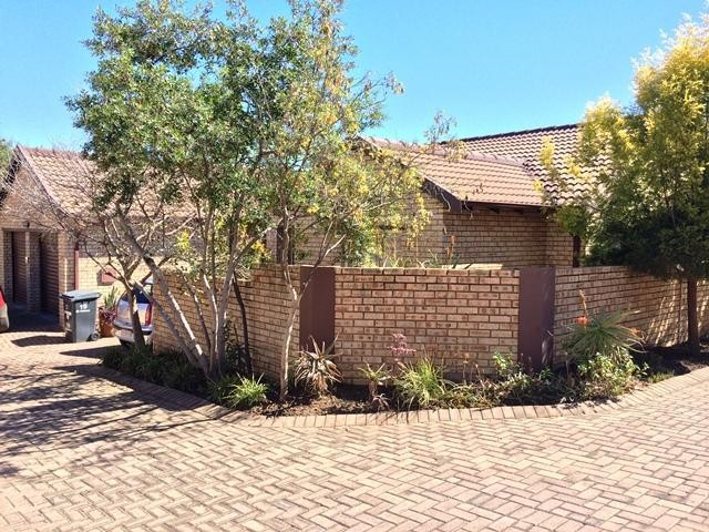 Roodepoort, Honeydew Manor Property  | Houses To Rent Honeydew Manor, Honeydew Manor, Cluster 3 bedrooms property to rent Price:, 11,00*