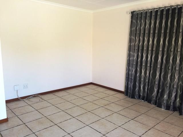Radiokop property to rent. Ref No: 13396889. Picture no 11