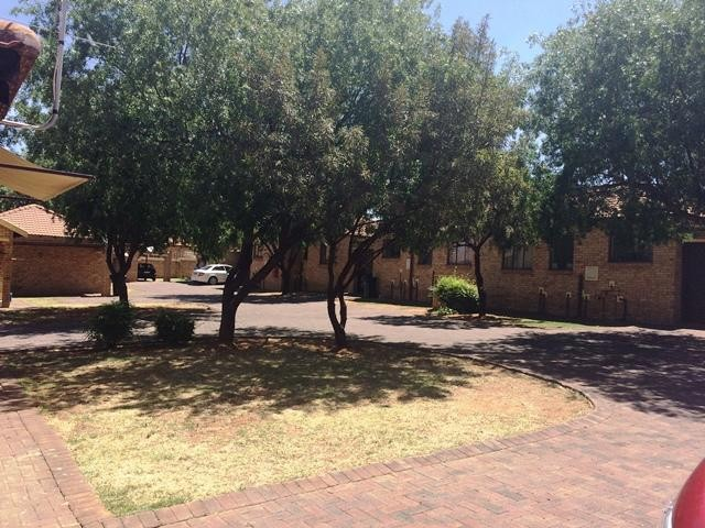 Witpoortjie property to rent. Ref No: 13397425. Picture no 2