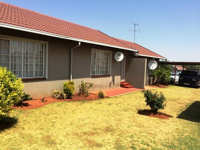 Roodepoort, Lindhaven Property  | Houses To Rent Lindhaven, Lindhaven, Simplex 3 bedrooms property to rent Price:,  5,00*