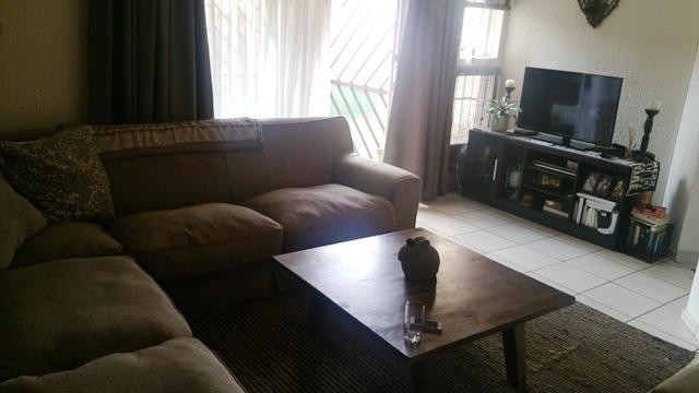 Bromhof property to rent. Ref No: 13402152. Picture no 2