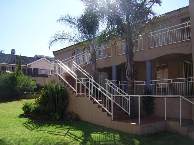 Roodepoort, Roodekrans Property  | Houses To Rent Roodekrans, Roodekrans, Apartment 2 bedrooms property to rent Price:,  6,00*