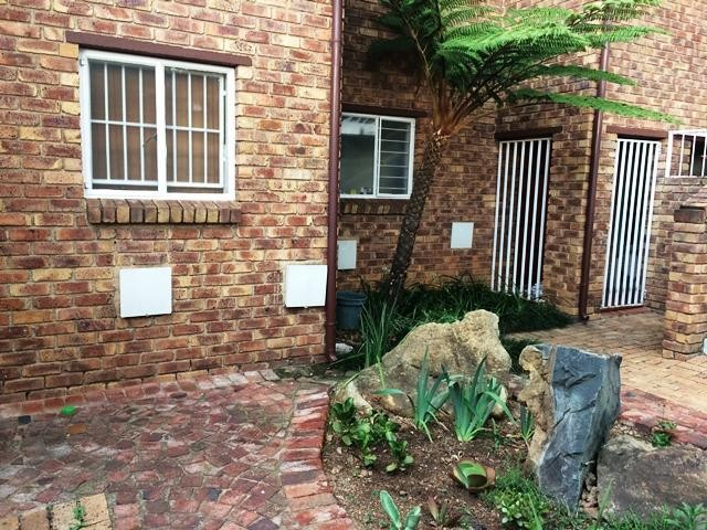 Roodepoort, Allens Nek Property  | Houses To Rent Allens Nek, Allens Nek, Apartment 1 bedrooms property to rent Price:,  5,50*