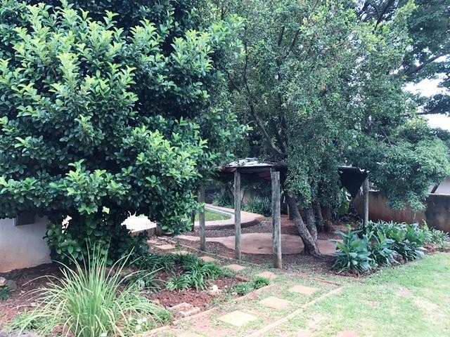 Constantia Kloof property to rent. Ref No: 13259317. Picture no 2