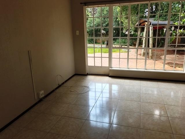 Constantia Kloof property to rent. Ref No: 13259317. Picture no 5