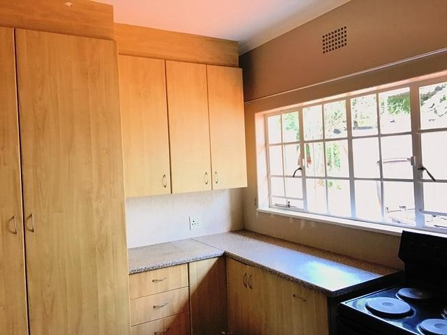 Constantia Kloof property to rent. Ref No: 13259317. Picture no 8