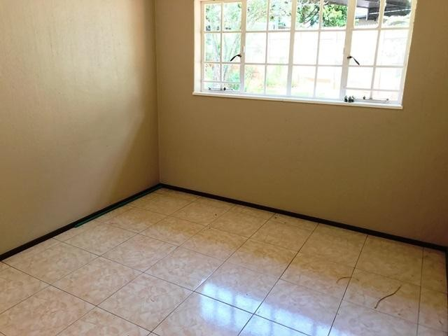 Constantia Kloof property to rent. Ref No: 13259317. Picture no 6