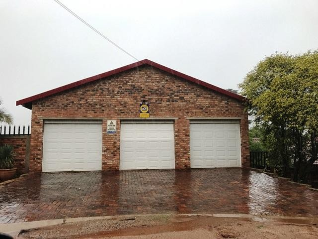 Roodepoort, Kloofendal Property  | Houses To Rent Kloofendal, Kloofendal, House 4 bedrooms property to rent Price:, 14,00*