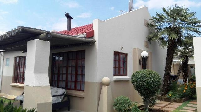 Roodepoort, Little Falls Property  | Houses To Rent Little Falls, Little Falls, Townhouse 2 bedrooms property to rent Price:,  7,00*