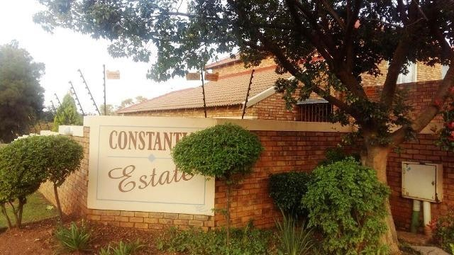 Roodepoort, Constantia Kloof Property  | Houses To Rent Constantia Kloof, Constantia Kloof, Townhouse 4 bedrooms property to rent Price:, 12,00*