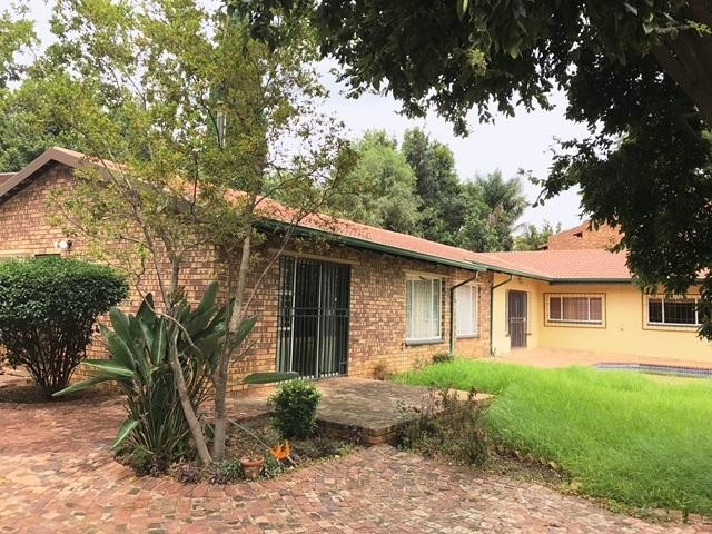 Roodepoort, Little Falls Property  | Houses To Rent Little Falls, Little Falls, House 3 bedrooms property to rent Price:, 17,00*