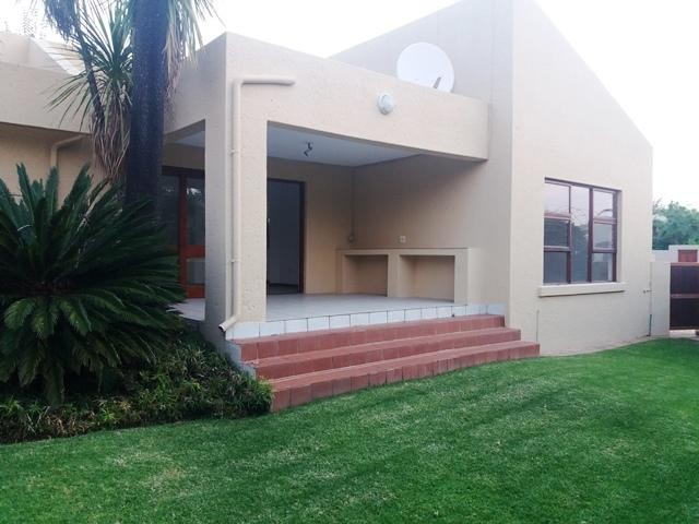 Roodepoort, Little Falls Property  | Houses To Rent Little Falls, Little Falls, Cluster 3 bedrooms property to rent Price:, 11,00*