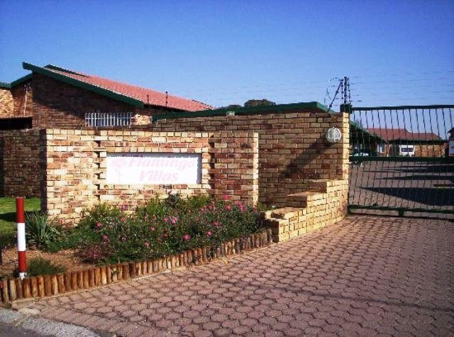 Roodepoort, Groblerpark Property  | Houses To Rent Groblerpark, Groblerpark, Townhouse 2 bedrooms property to rent Price:,  6,25*