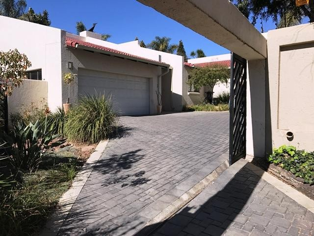 Sandton, Hurlingham Manor Property  | Houses To Rent Hurlingham Manor, Hurlingham Manor, House 4 bedrooms property to rent Price:, 28,00*