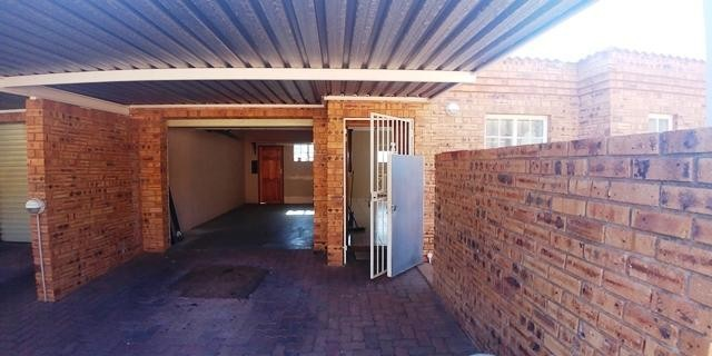 Krugersdorp, Chancliff Property  | Houses To Rent Chancliff, Chancliff, Townhouse 2 bedrooms property to rent Price:,  7,00*