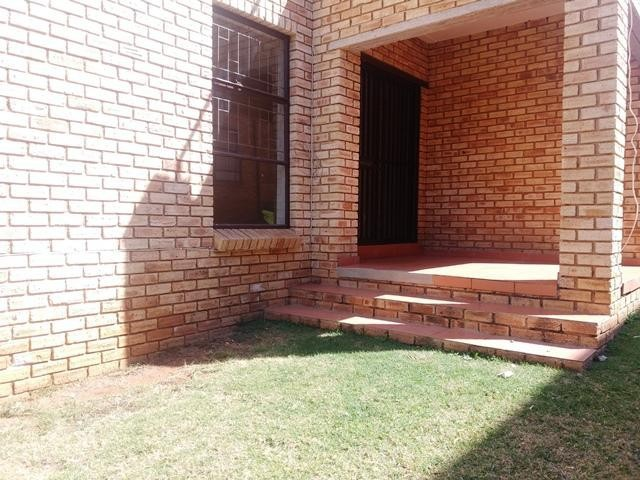 Roodepoort, Wilgeheuwel Property  | Houses To Rent Wilgeheuwel, Wilgeheuwel, Apartment 2 bedrooms property to rent Price:,  5,00*