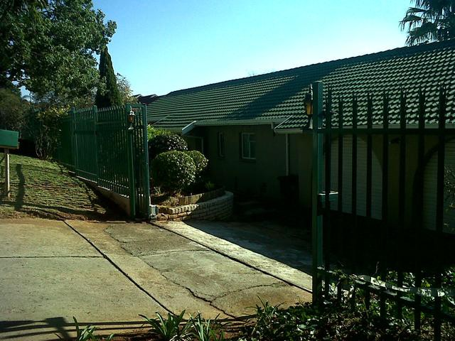 Roodepoort, Wilro Park Property  | Houses To Rent Wilro Park, Wilro Park, House 3 bedrooms property to rent Price:, 12,00*
