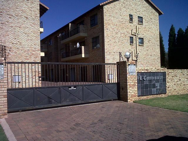 Roodepoort, Roodepoort Property  | Houses For Sale Roodepoort, Roodepoort, Apartment 2 bedrooms property for sale Price:770,000