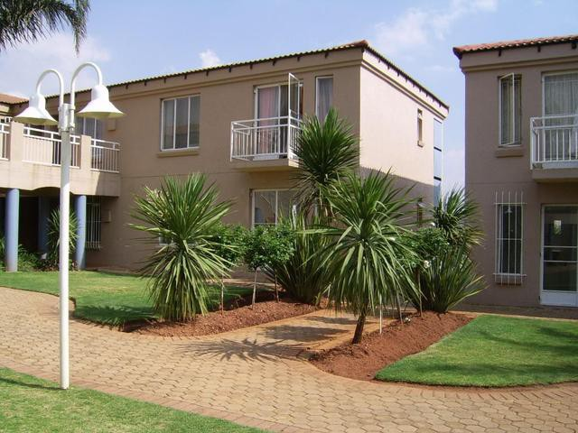 Roodekrans property to rent. Ref No: 13393373. Picture no 2