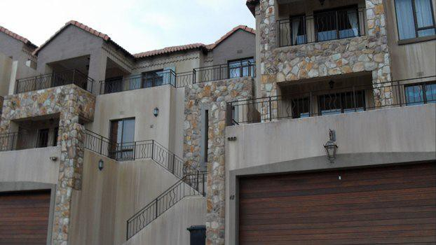 Roodepoort, Constantia Kloof Property  | Houses To Rent Constantia Kloof, Constantia Kloof, Townhouse 3 bedrooms property to rent Price:,  9,00*