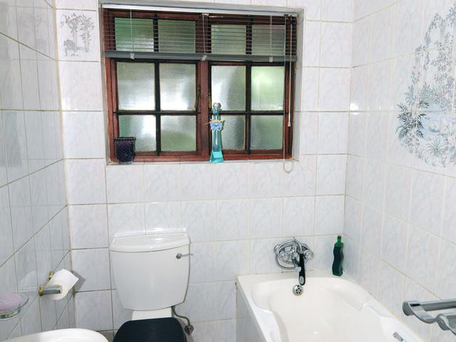 Little Falls to rent property. Ref No: 13263704. Picture no 8