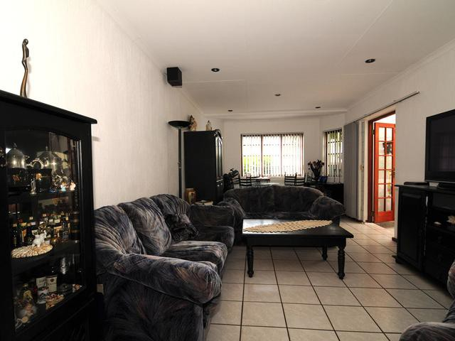 Little Falls property to rent. Ref No: 13263704. Picture no 4