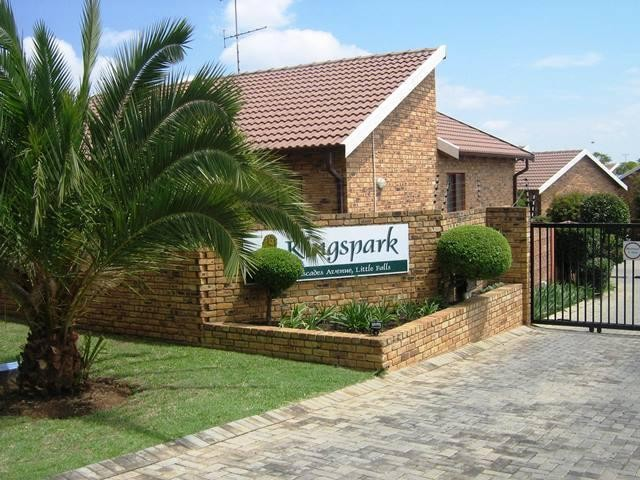 Roodepoort, Little Falls Property  | Houses To Rent Little Falls, Little Falls, Simplex 2 bedrooms property to rent Price:,  6,00*