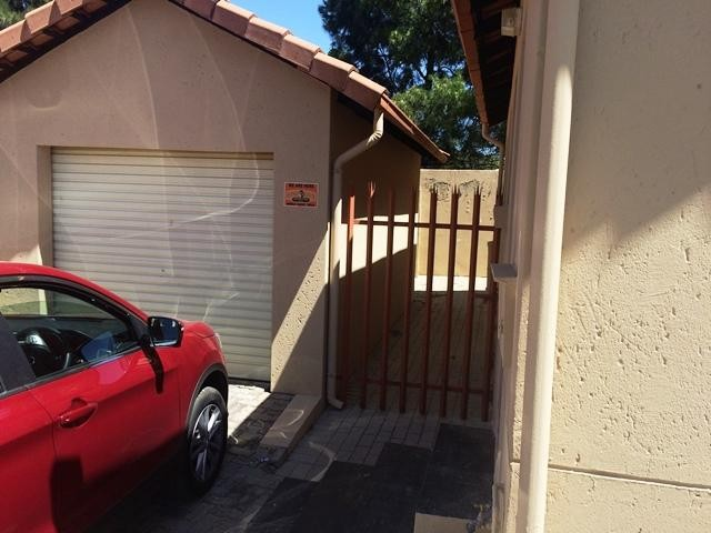 Radiokop property to rent. Ref No: 13396889. Picture no 2