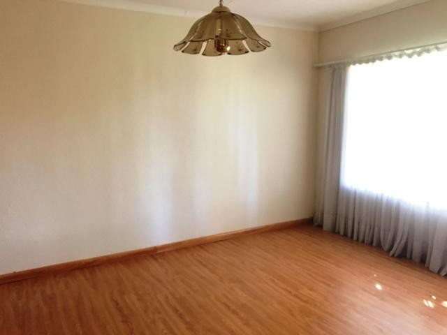 Wilro Park property to rent. Ref No: 13482083. Picture no 23