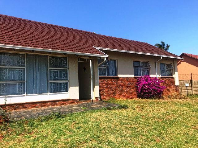 Roodepoort, Wilro Park Property  | Houses To Rent Wilro Park, Wilro Park, House 4 bedrooms property to rent Price:, 12,00*