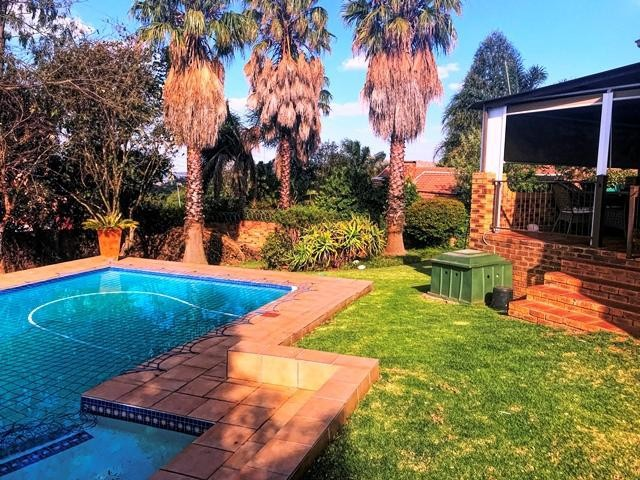 Roodepoort, Wilro Park Property    Houses To Rent Wilro Park, Wilro Park, House 2 bedrooms property to rent Price:, 12,00*