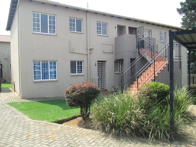 Roodepoort, Groblerpark Property  | Houses For Sale Groblerpark, Groblerpark, Apartment 2 bedrooms property for sale Price:450,000